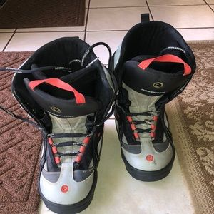 Rossignol Youth Sz 11 Snowboard Boots